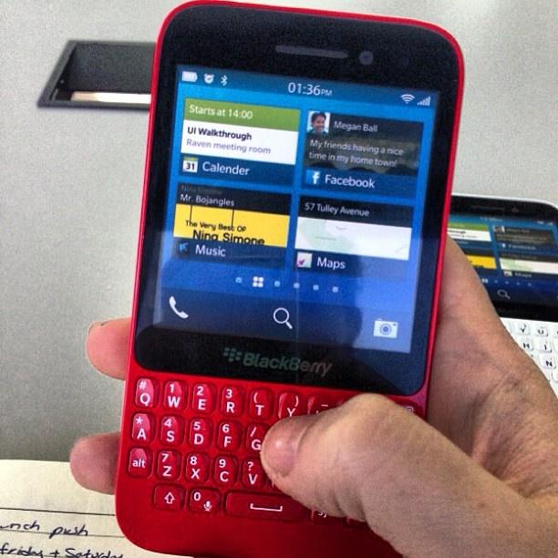 blackberry-r10-red